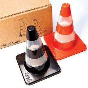 peper- en zoutste Verkeerspionnen , Labyrinth traffic cones, kerstgeschenk